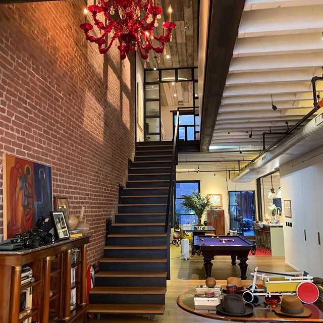 Amazing staircase. Touring in New York. Got to see this extraordinary 2level condo in #flatirondistrict . 4000 daft of perfect style and finishes. Repped by Fabienne Lecole. DM me for infos.  #newyorklife #newyorkrealestate #compasseverywhere #agentofcompass #alwayslooking
