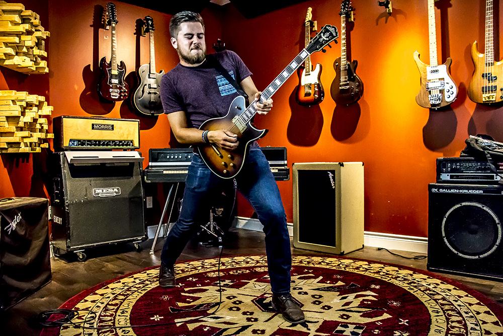 Guitar Lessons at Get Loud Milton
