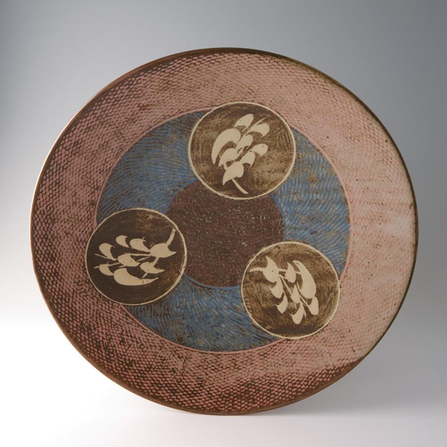 "Tatsuzo Shimaoka  Large platter, rope and slip inlay with wax resist brushwork  Stoneware 3.5 x 18 x 18"" 58 with wooden box"