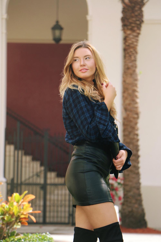 leather-skirt-outfit-idea.jpg