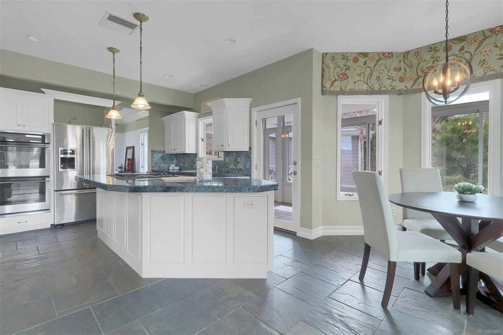 Faver Drive | Kitchen