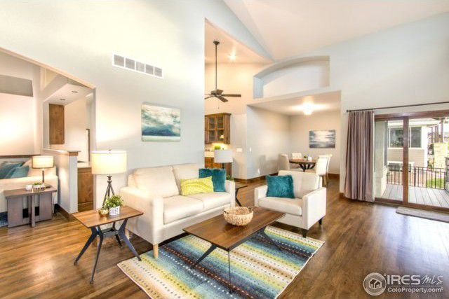 Hialeah Drive | Living Room