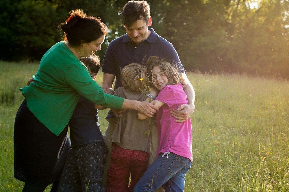 Family portrait in golden hour - Vicki Hull Photography