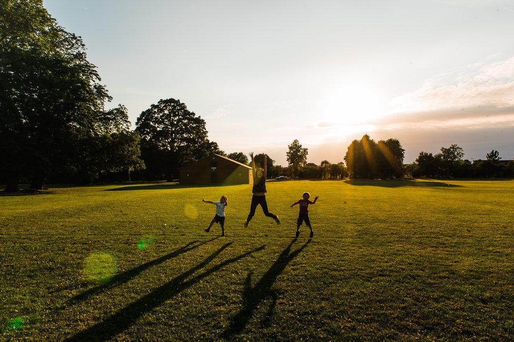 Fun family shadows Diana Hagues Photography