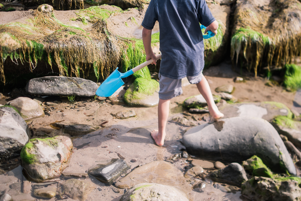 blue spade and rockpooling in barefoot