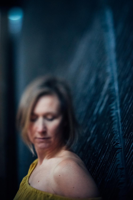 7 Travelling-Mustard-Dress-Cambridge-Photographer-Diana-Hagues.jpg