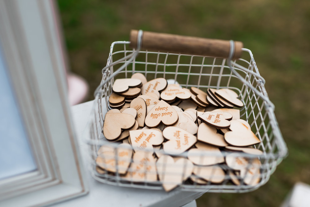 Suffolk-Wedding-Photography-Sweetallyscoops-ice-cream-van.jpg