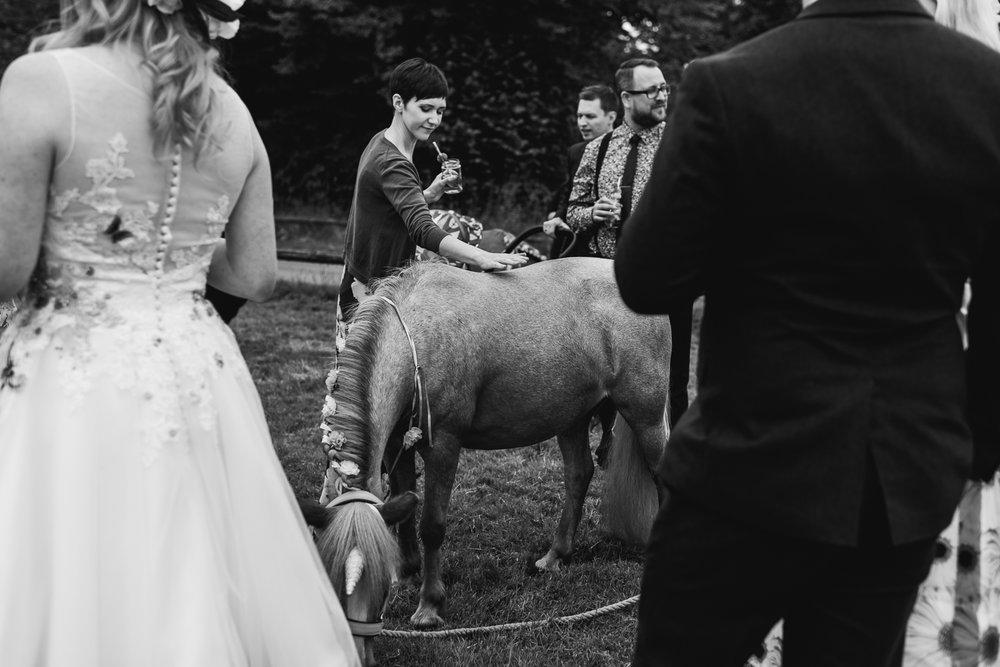 Rutland-Leicestershire-Wedding-Photographers-Unposed-outdoor-photography.jpg