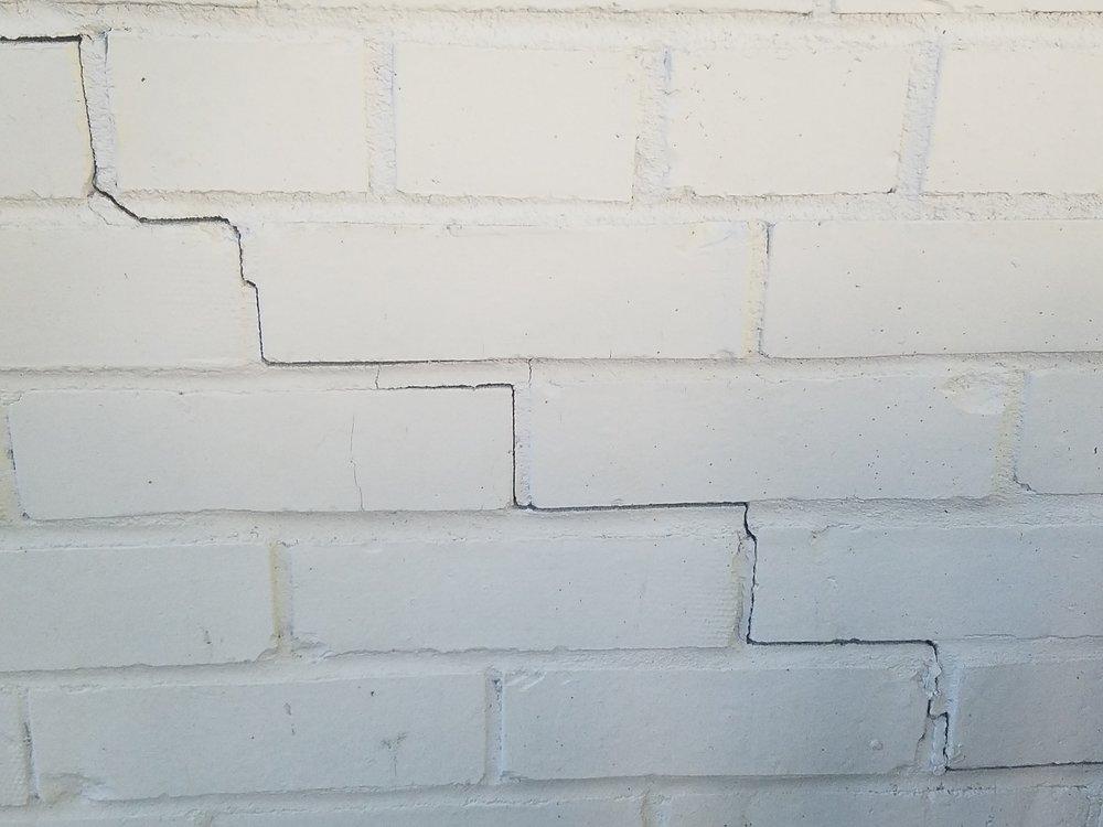 foundation crack 6.jpg