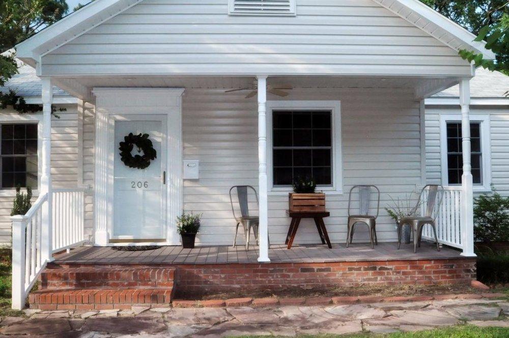 Haymount Homes LLC Hull Rd porch.jpg