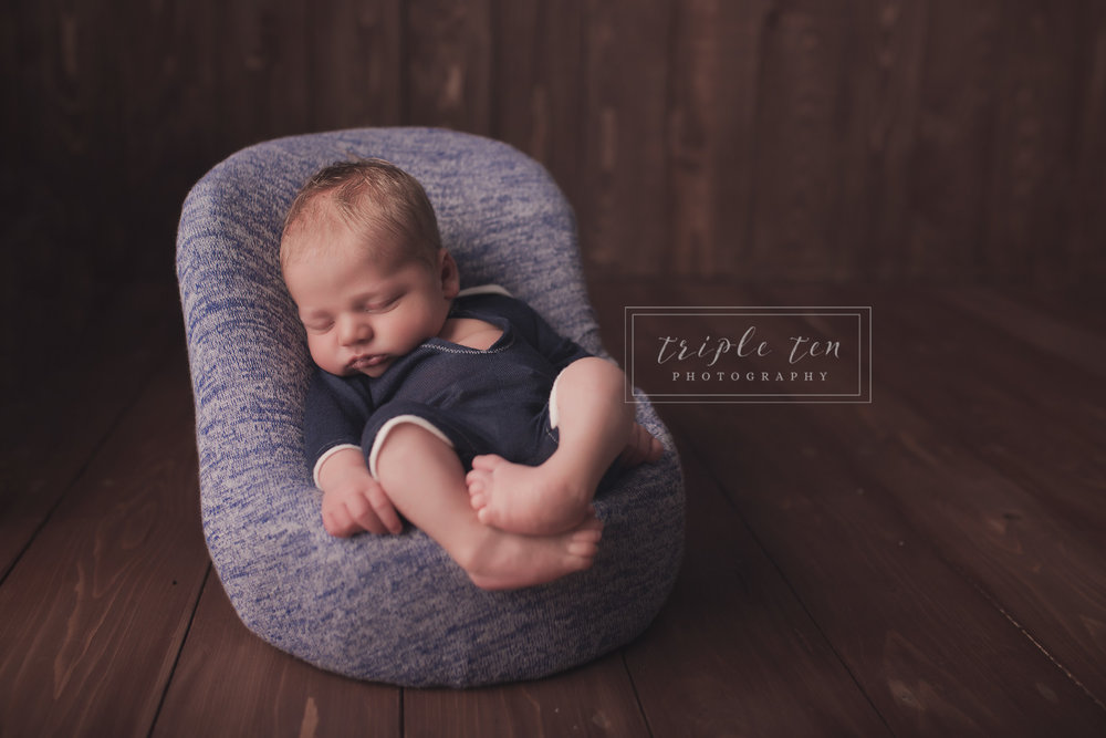 newborn photography red deer alberta.jpg
