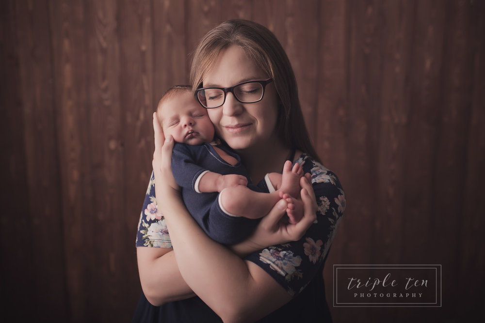newborn family portraits.jpg