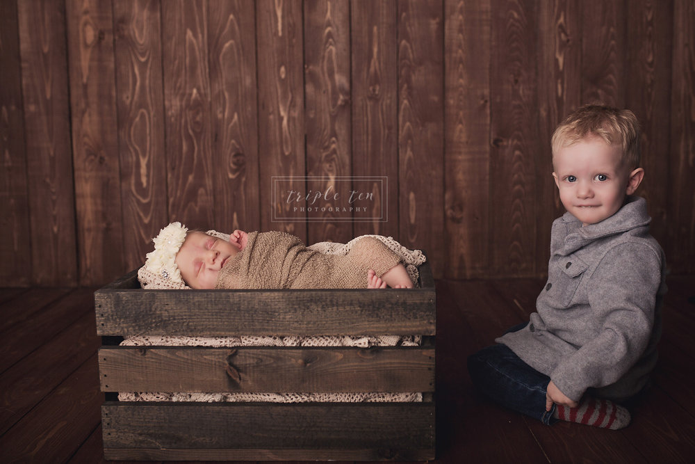 sibling photos newborn session.jpg