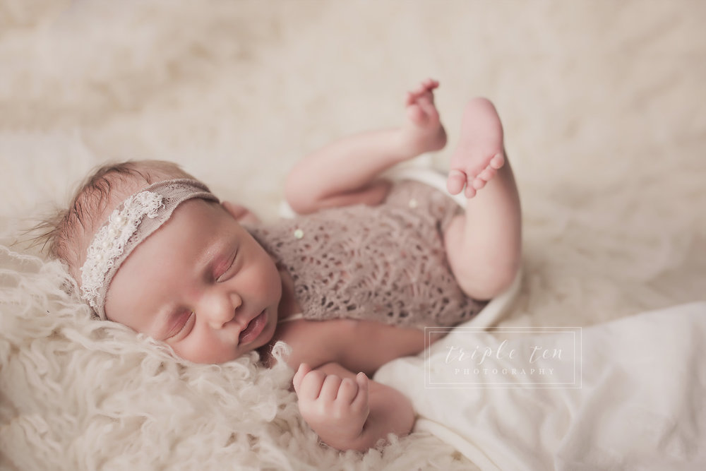 central alberta newborn baby photographer.jpg
