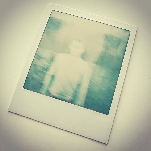 På 'glemt' Polaroid! Tak @peterbjerke 🙌🏻 #polaroid #ghost #shakeitlikea