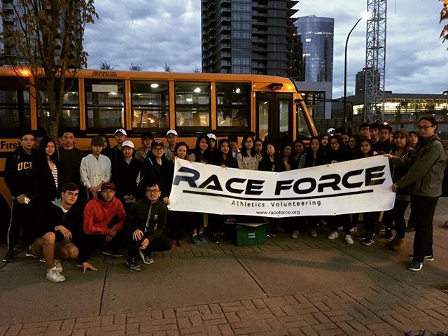 Race Force Volunteers (group A) reporting for duty for the @bmovanmarathon . . #raceforce #raceforcevancouver #RFVan #nonprofit #vancity #charity #volunteering #running #runhappy #vancouver #fitness #runvan #weightloss #diabetes #diabetescanada #stpatricks #stpaddys #bcathletics #runningroom #community #BMOVm #runvanfan #runvan