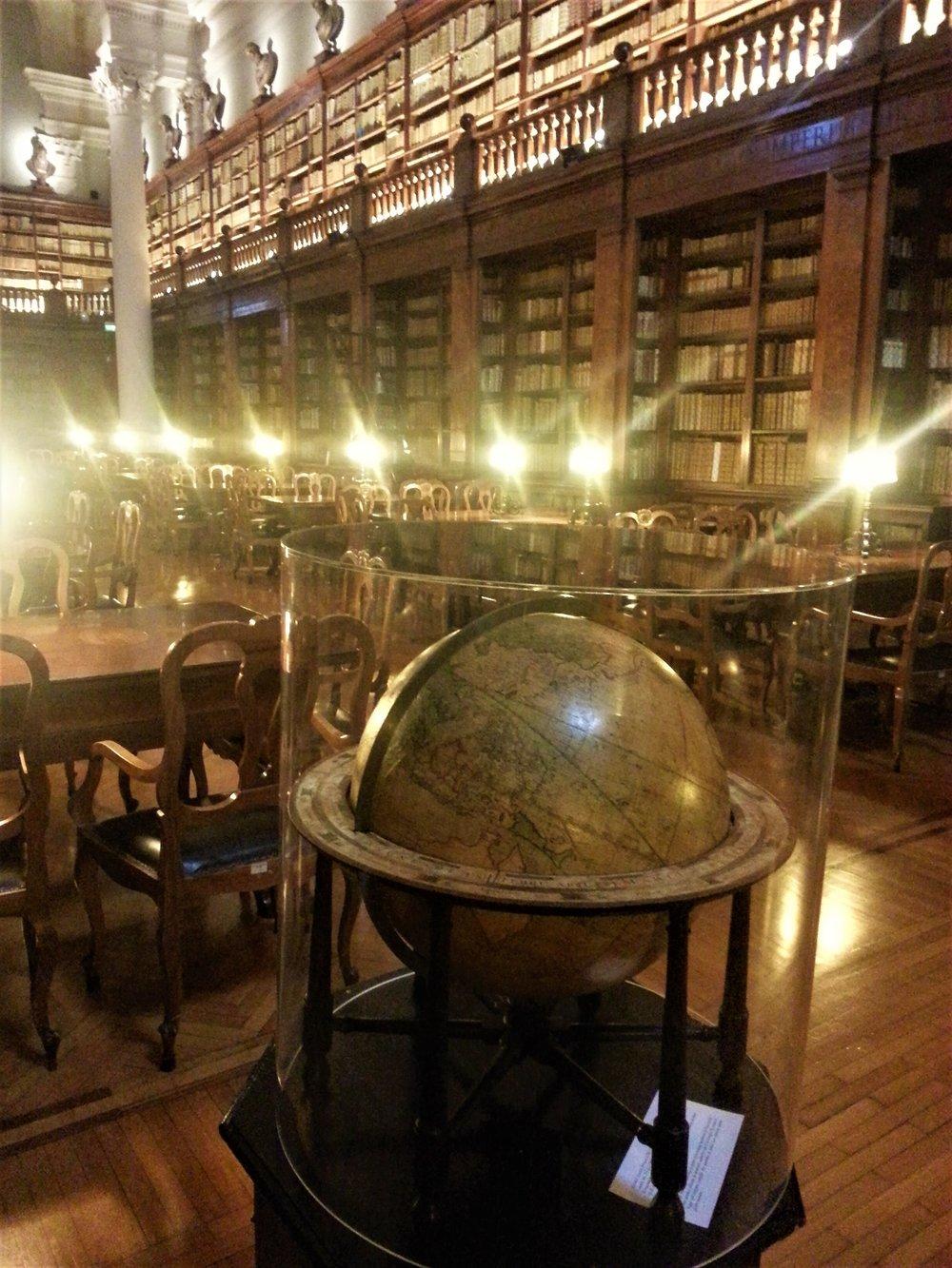Italy-Bologna-University-Library.jpg