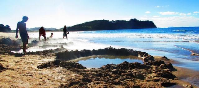 new-zealand-hot-water-beach-coramandel