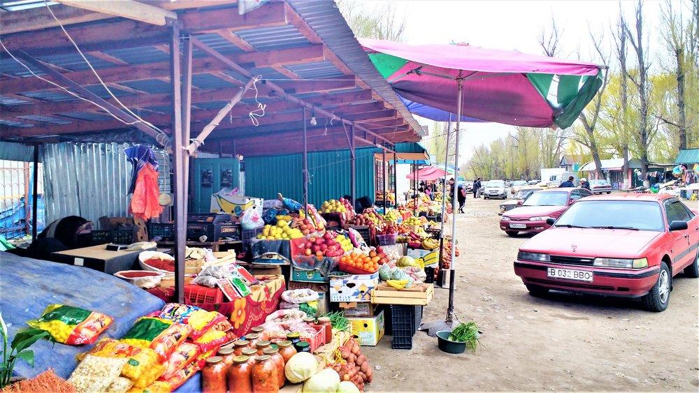Getting-to-Kolsai-Market-stop.jpg