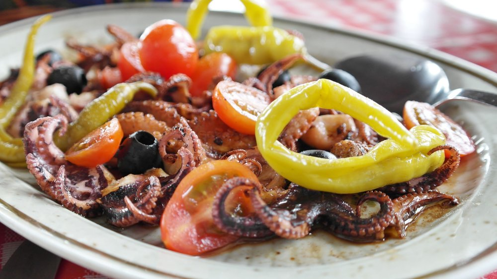things to do in albania eating seafood