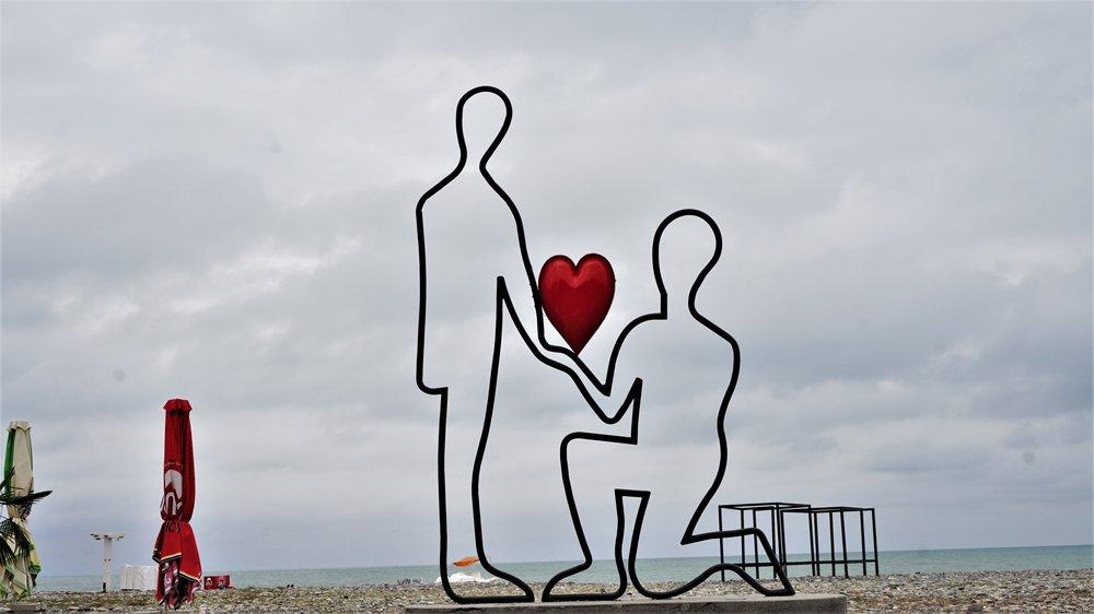 love statues batumi georgia