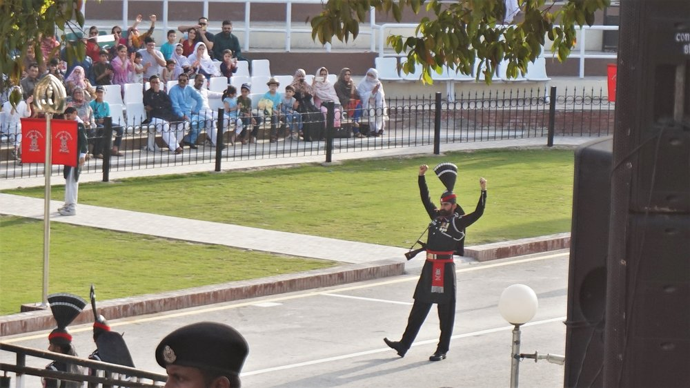 Pakistani guard on the wagah border, the ceremony at the wagah border is a must-see in Amritsar