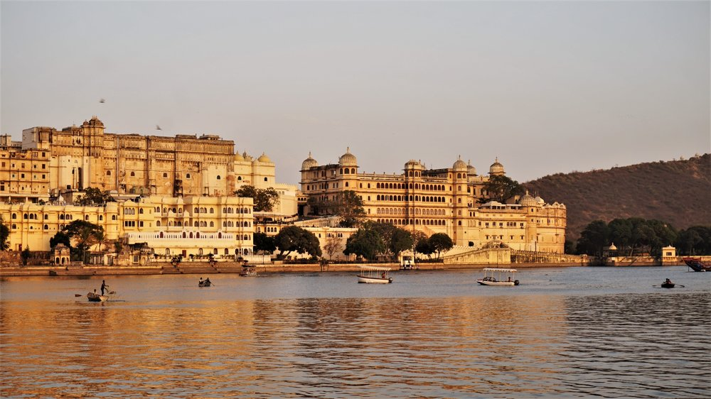 Watch the sunset over the lake is one of the best places to visit in Udaipur.