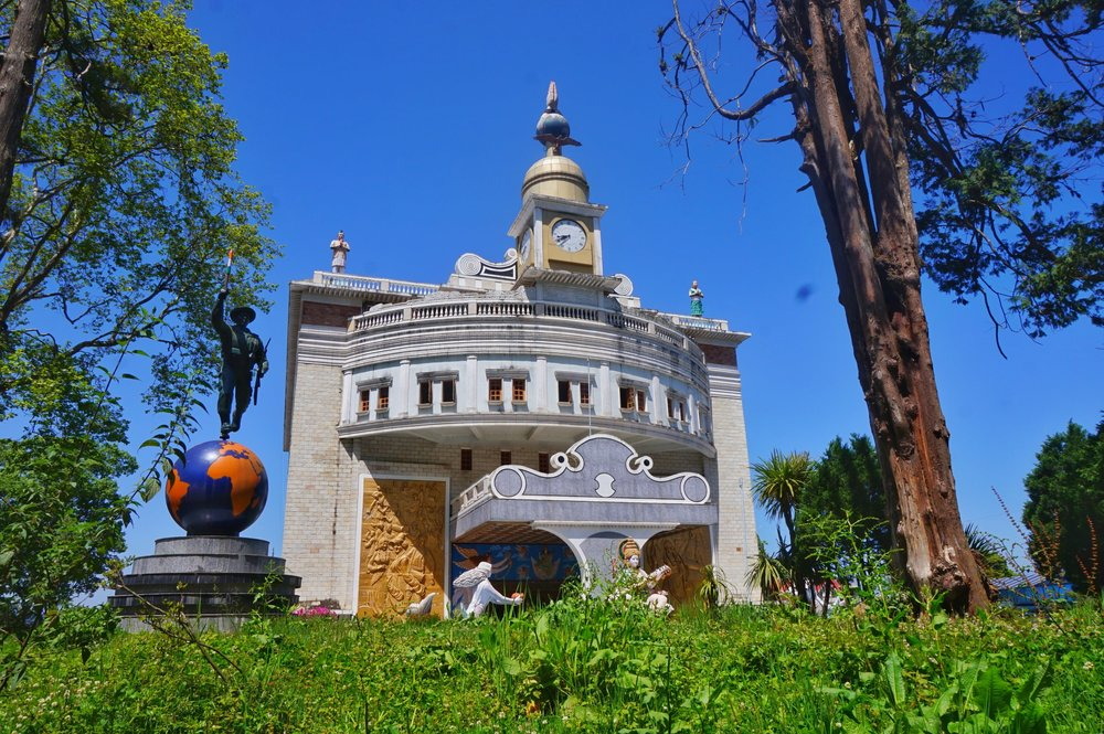 The government building in the hard of Darjeeling is a must visit place in Darjeeling.