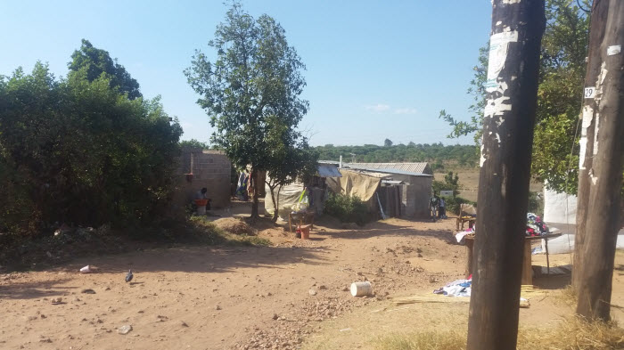 En gata i Ng'ombe. Att få tillgång rent vatten och sanitet är fortfarande en utmaning.