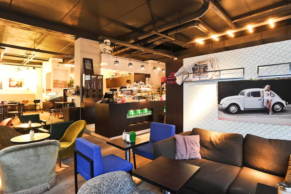 Cafe-de-la-Presse-2.jpg