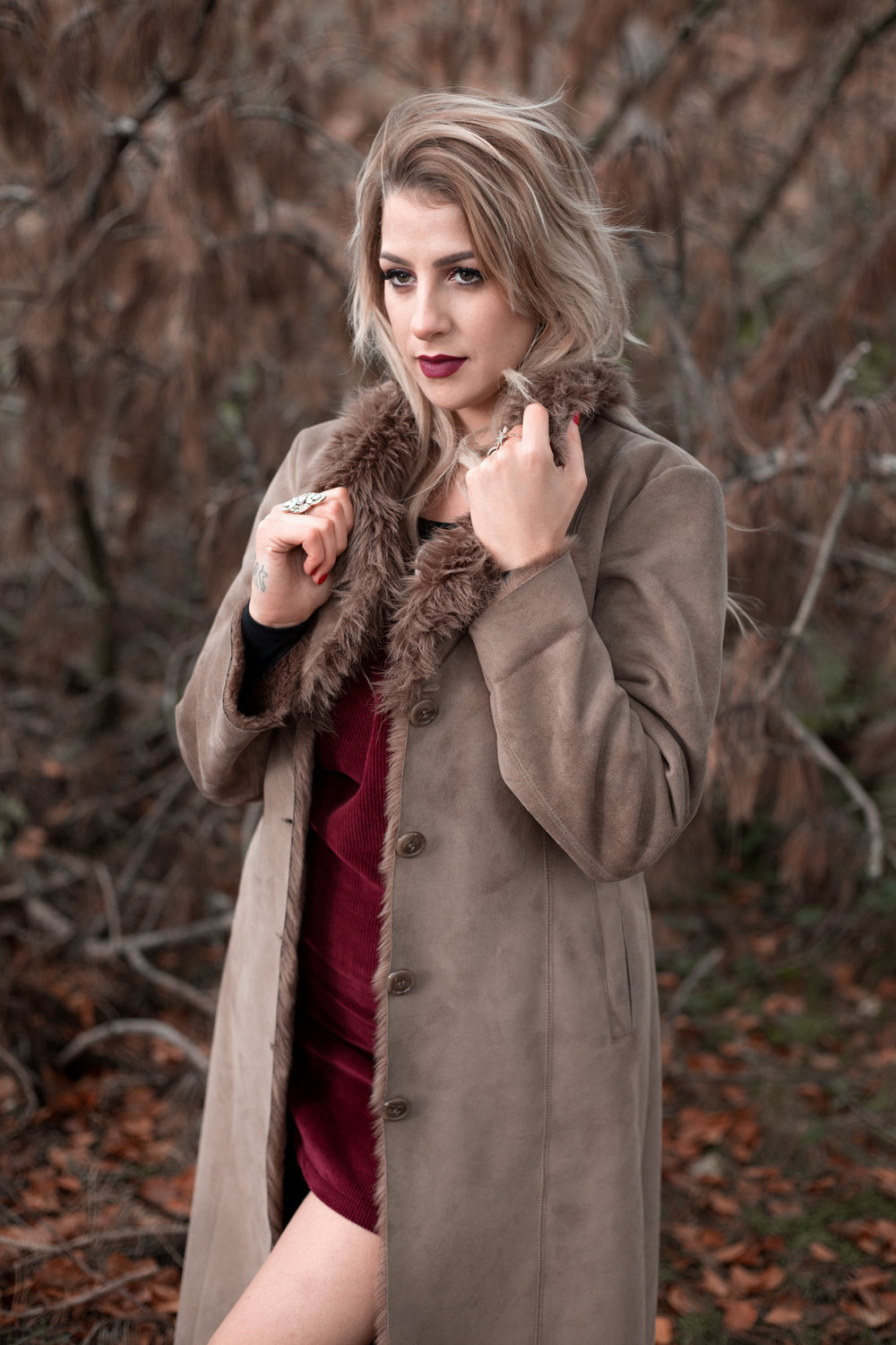 LEA-COOPER-PHOTOGRAPHY-WILLENHALL-WEST-MIDLANDS-WOLVERHAMPTON-PORTRAIT-MEGAN-REECE-COAT-WINTER.jpg