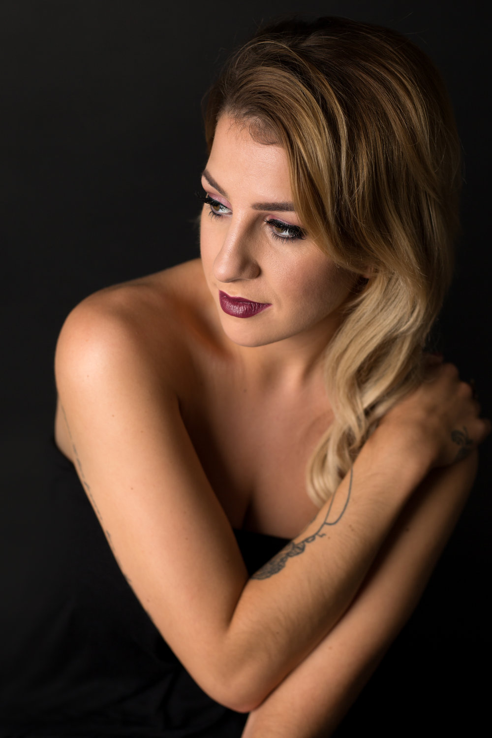 LEA-COOPER-PHOTOGRAPHY-WILLENHALL-WEST-MIDLANDS-WOLVERHAMPTON-PORTRAIT-MEGAN-REECE-STUDIO-GORGEOUS.jpg