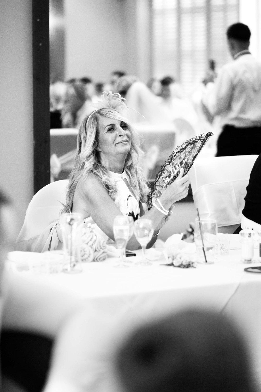 Lea-Cooper-Photography_Wedding-Photography_Willenhall_Wolverhampton_West-Midlands_Photographer_Birmingham_mother-of-the-bride-fan.jpg