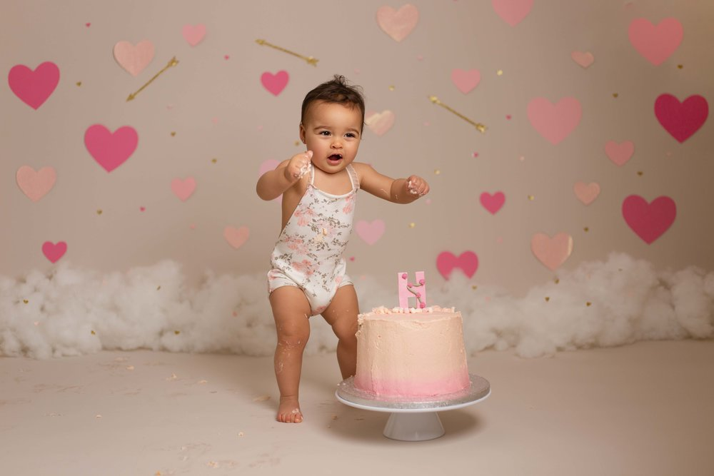 Lea-cooper-photography-cake-smash-photographer-1st-birthday-photos-willenhall-wolverhampton-west-midlands-birmingham-valentines-day-23.jpg