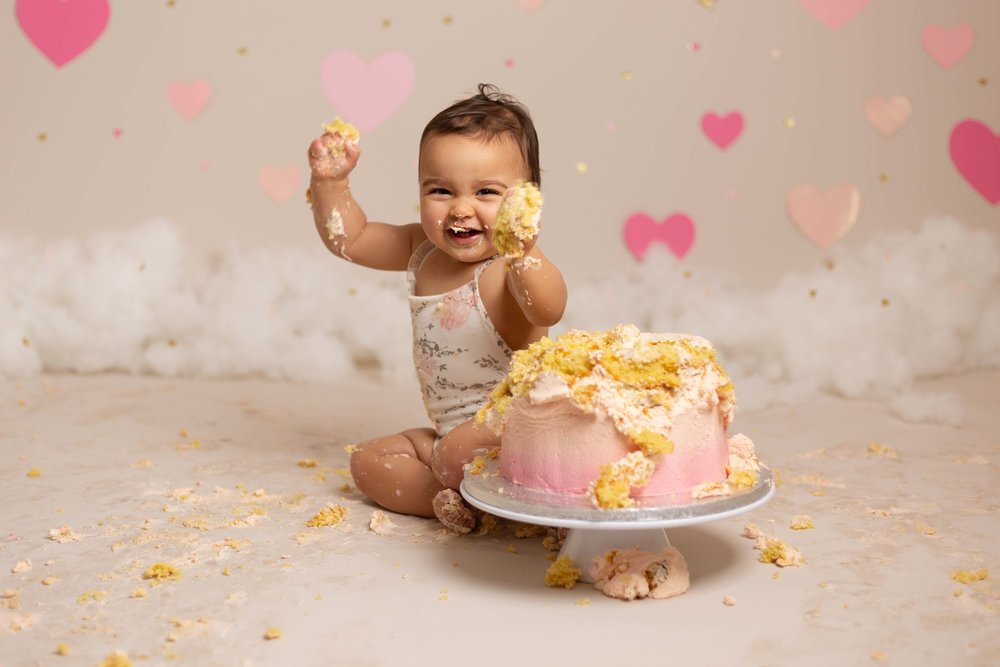 Lea-cooper-photography-cake-smash-photographer-1st-birthday-photos-willenhall-wolverhampton-west-midlands-birmingham-valentines-day-13.jpg