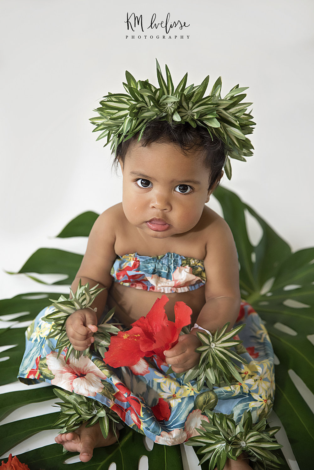 Oahu Hawaii cake smash first birthday children portrats photographer
