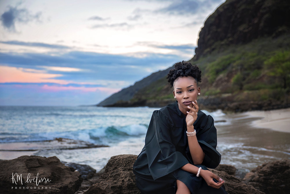 Book your hawaii senior session with the best senior portrait photographer