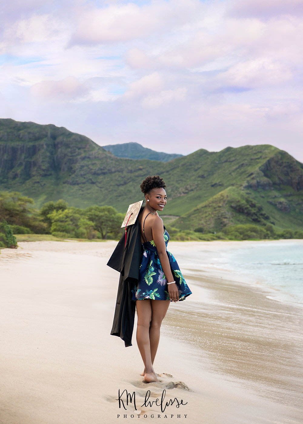 Best Oahu senior photoshoot photographer at Makua Beach