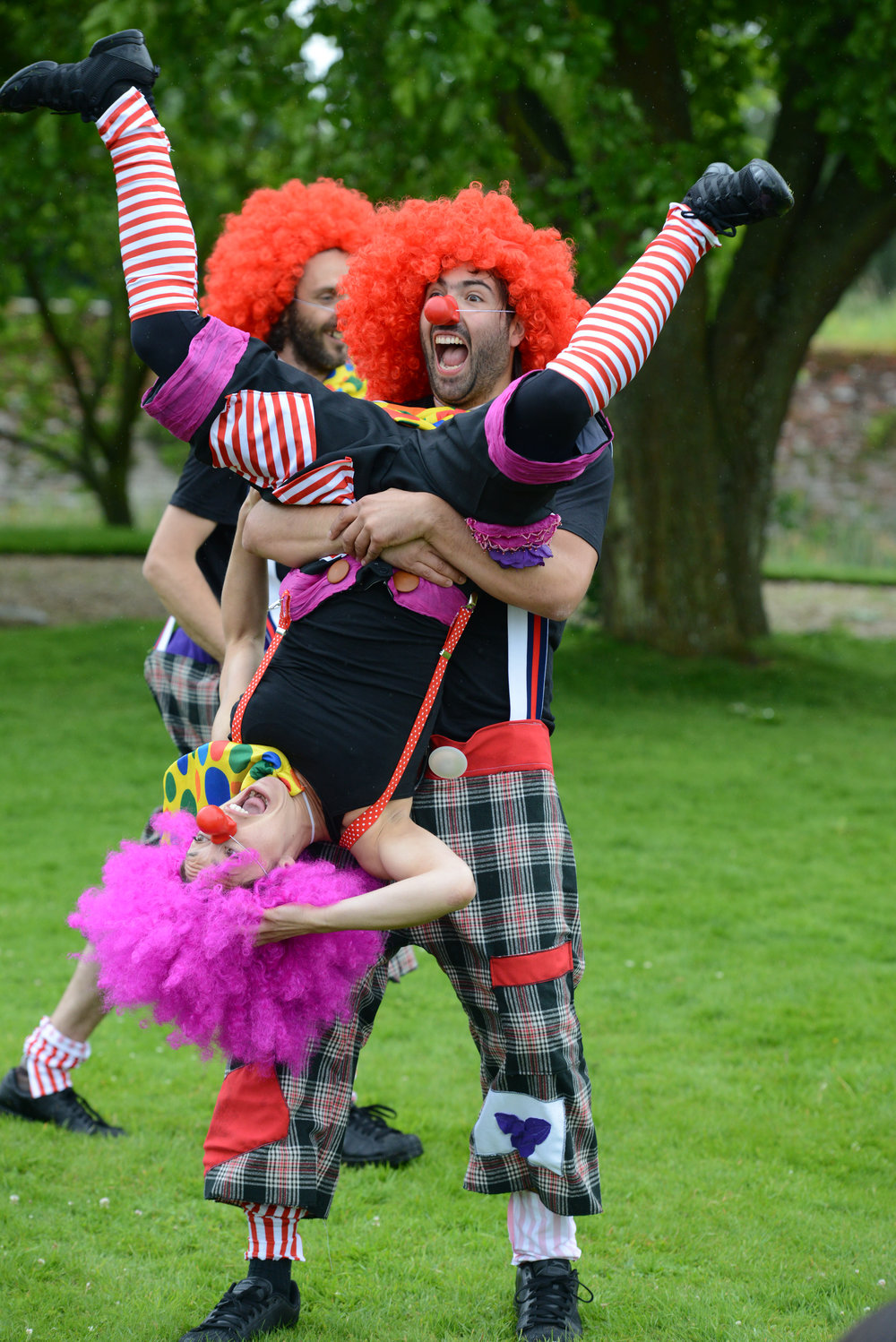 Walkabout and Street Theatre Performers - The Shapeshifting Circus