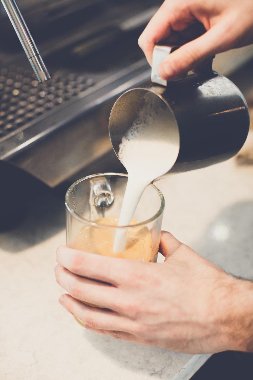 Pouring steamed milk 2.jpg