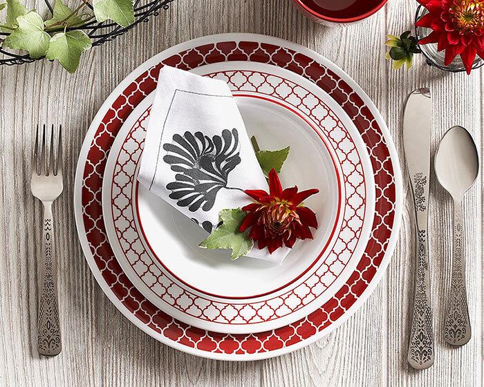 Corelle 16 Piece Crimson Trellis Livingware Dinnerware Set