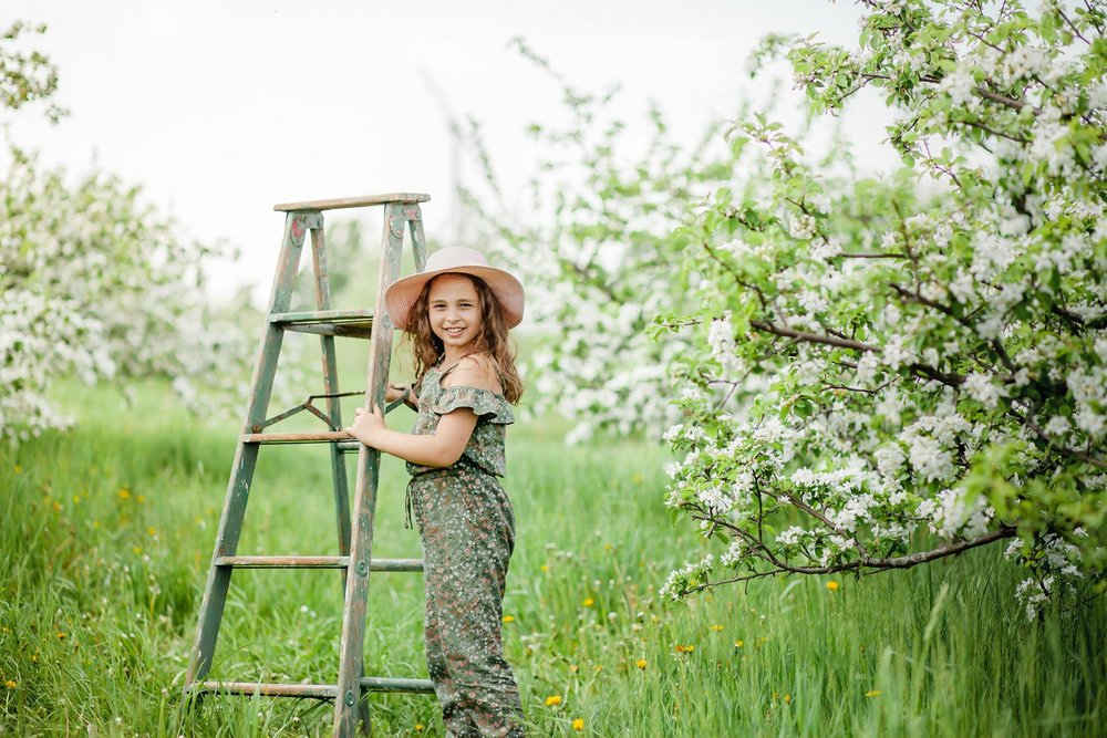 Apple  - Blossom Mini Sessions