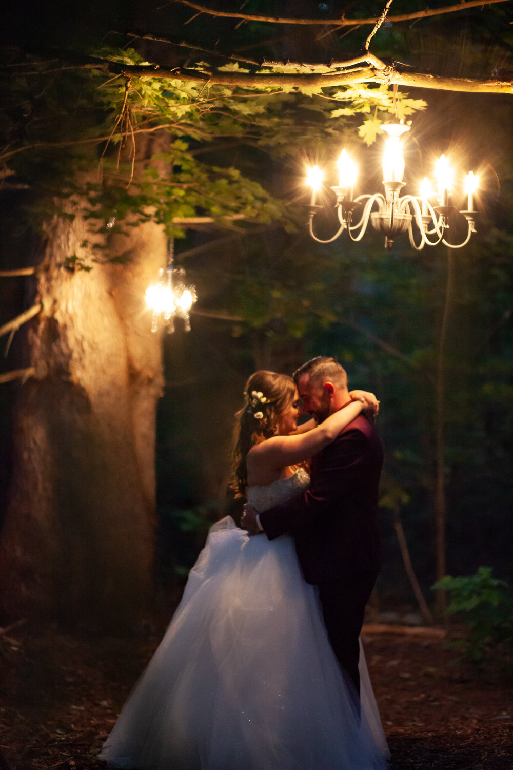 Amy D Photography- Bride and Groom- Wedding Poses- Muskoka Wedding- Barrie Wedding Photographer- Best Wedding Photographer- Muskoka Wedding Photography- Bride Pose- Groom Pose-4.jpg