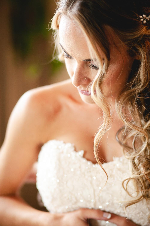 Amy D Photography- Barrie Wedding Photography- Wedding Getting Ready- Bride getting ready- Muskoka Wedding Photography-112.jpg