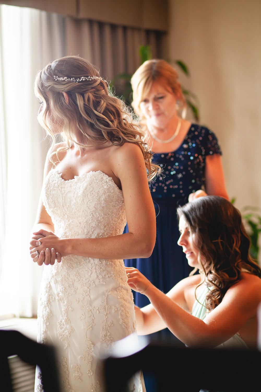 Amy D Photography- Barrie Wedding Photography- Wedding Getting Ready- Bride getting ready- Muskoka Wedding Photography-134.jpg