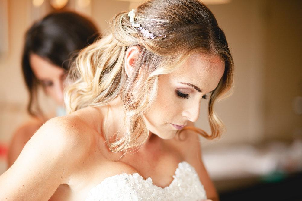 Amy D Photography- Barrie Wedding Photography- Wedding Getting Ready- Bride getting ready- Muskoka Wedding Photography-124.jpg