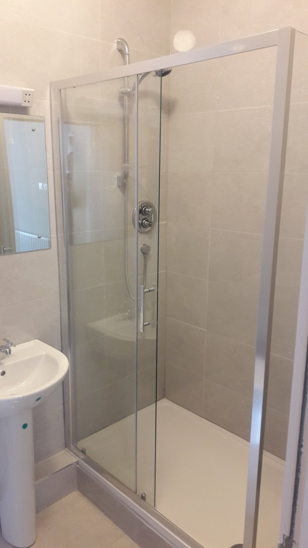 Large shower.jpg