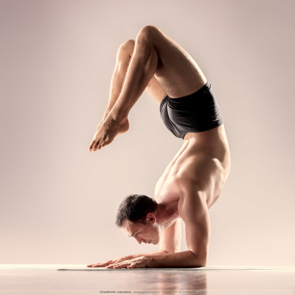 Vladimir Jandov in scorpion pose