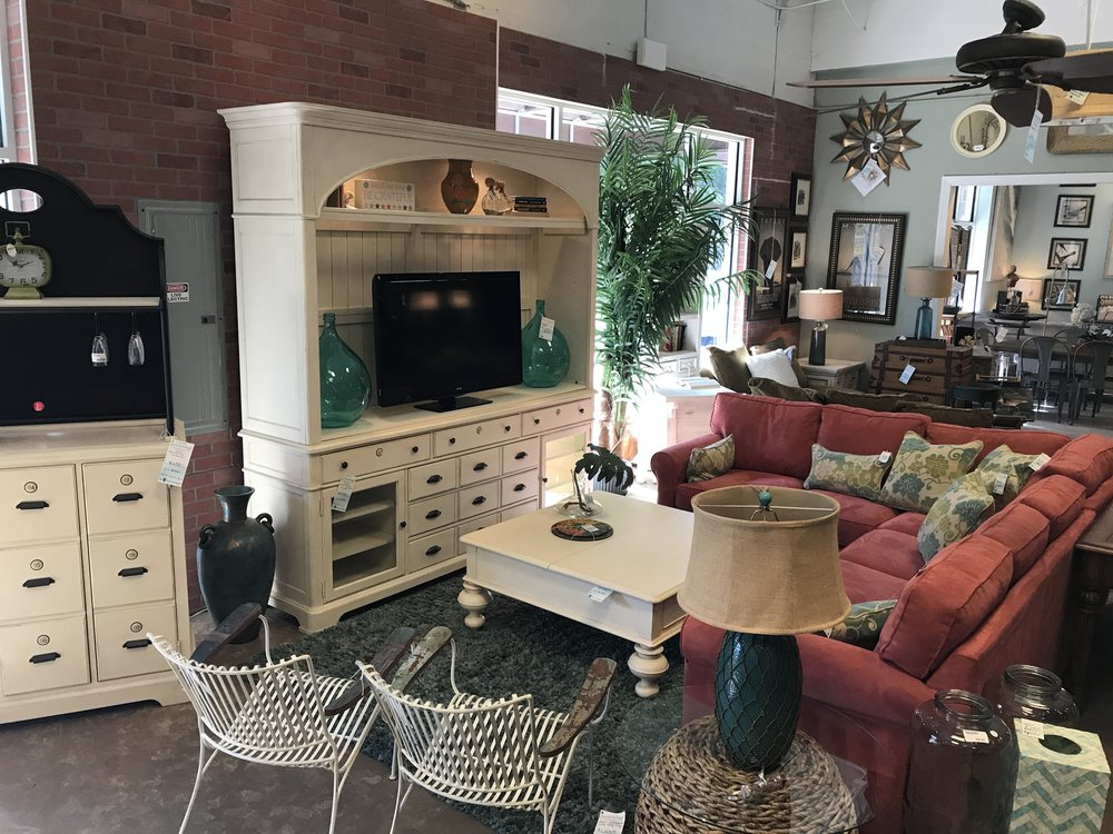 Designer Consignment Furniture For Estero, FL | Surroundings
