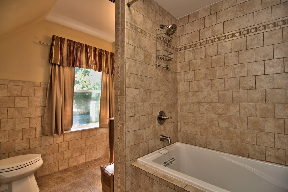 2nd Floor Bath View 1.jpg
